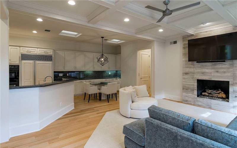 800x500 Kitchen and Living